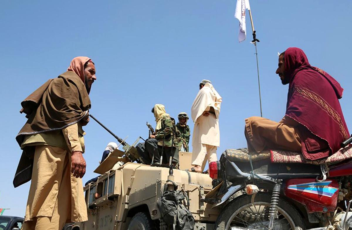 Талибы* захватили американское оружие