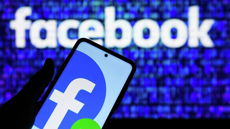 """Эксперт объяснил причину, почему во всём мире """"поломался"""" Facebook"""